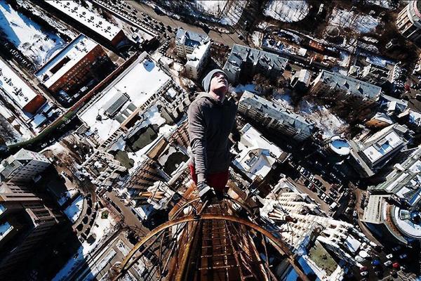 互动吧-勇敢者挑战(国庆节身无分文挑战陌生城市生存三天三夜)——宁波少年