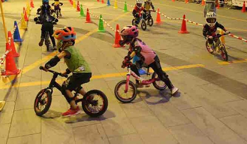 济南滑痕滑步车对抗赛-绿地杯