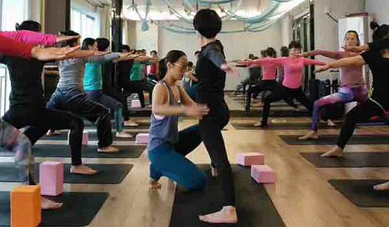 免费练瑜伽