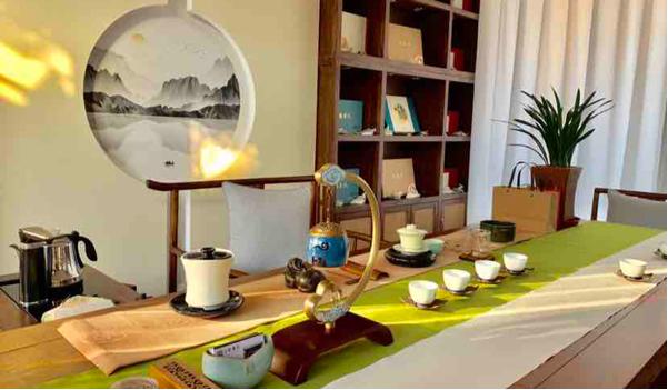 冬之初,相約合聚書院感受茶与美食的魅力