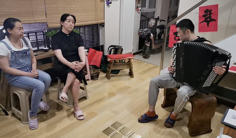 李云龙老师手风琴公益课