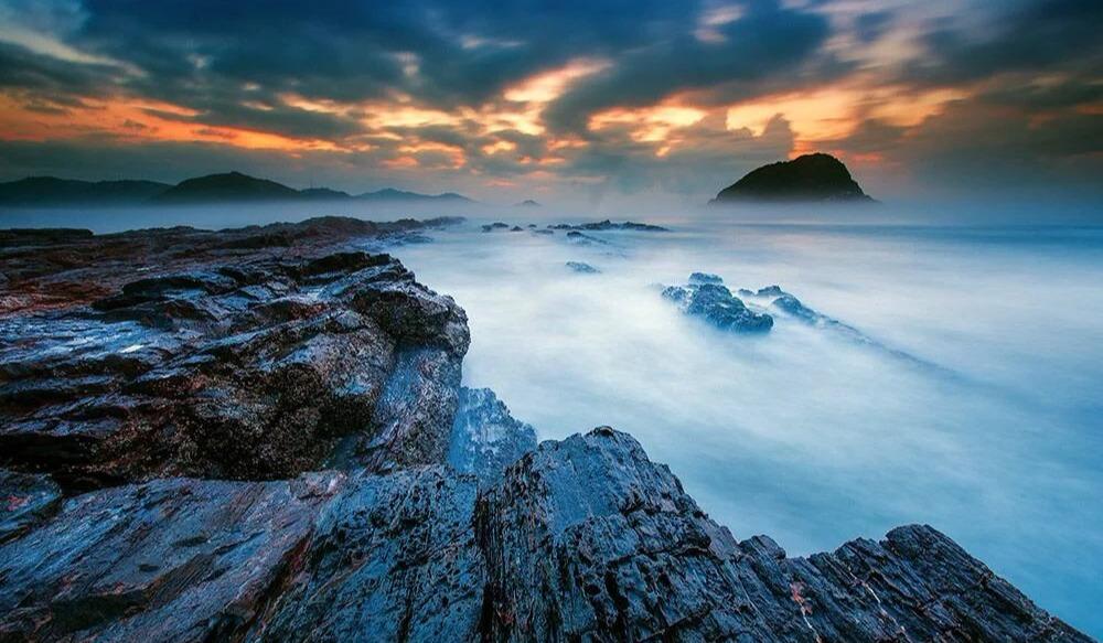【周末】惠州黑排角海岸线穿越、漫步无人沙滩捡贝壳、打卡广东天空之境、赏礁石观巨浪、滩涂日落 一日游